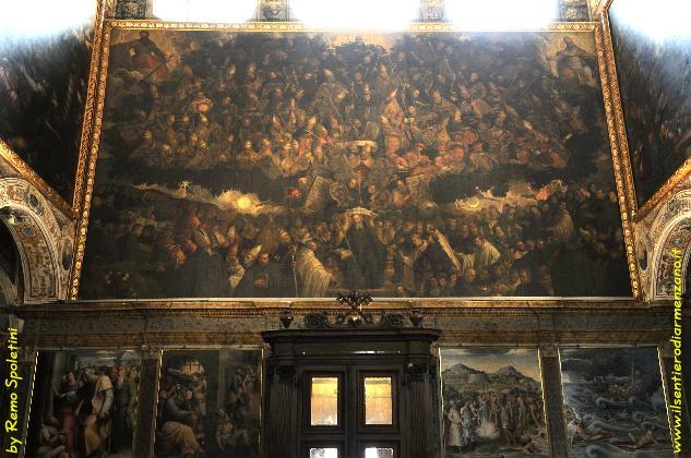 Perugia - il quadro più grande del mondo e il suo demone per intero