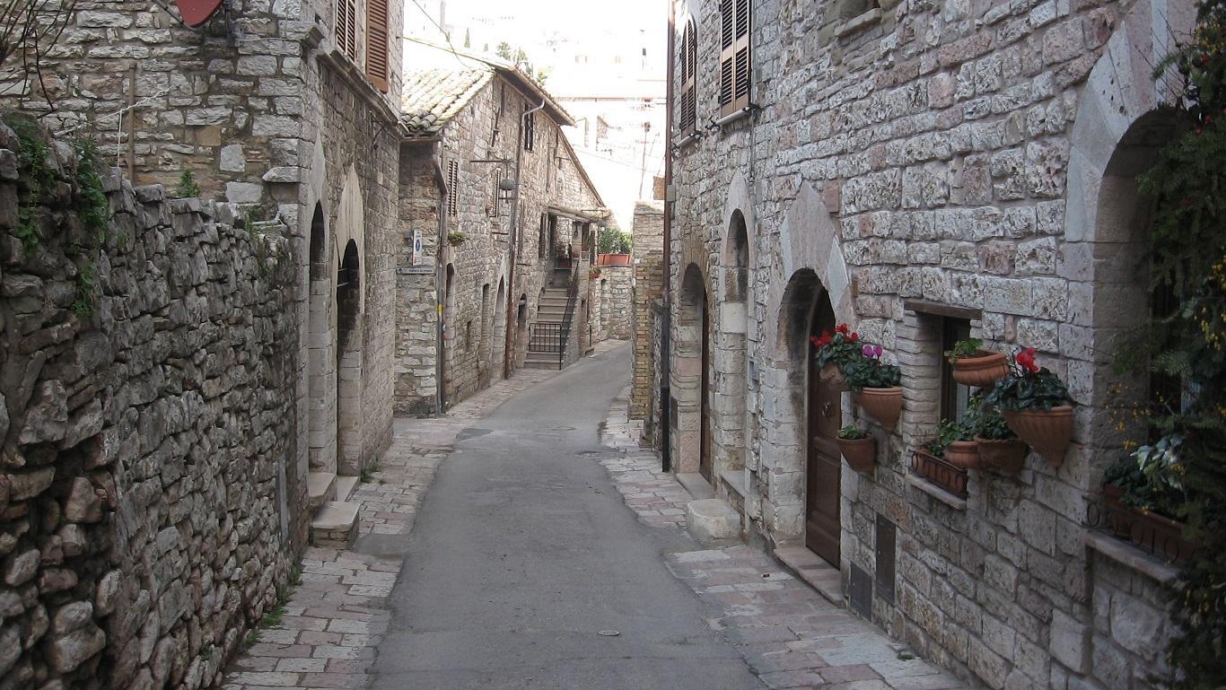 Assisi - cultura news tradizione leggende misteri - 11