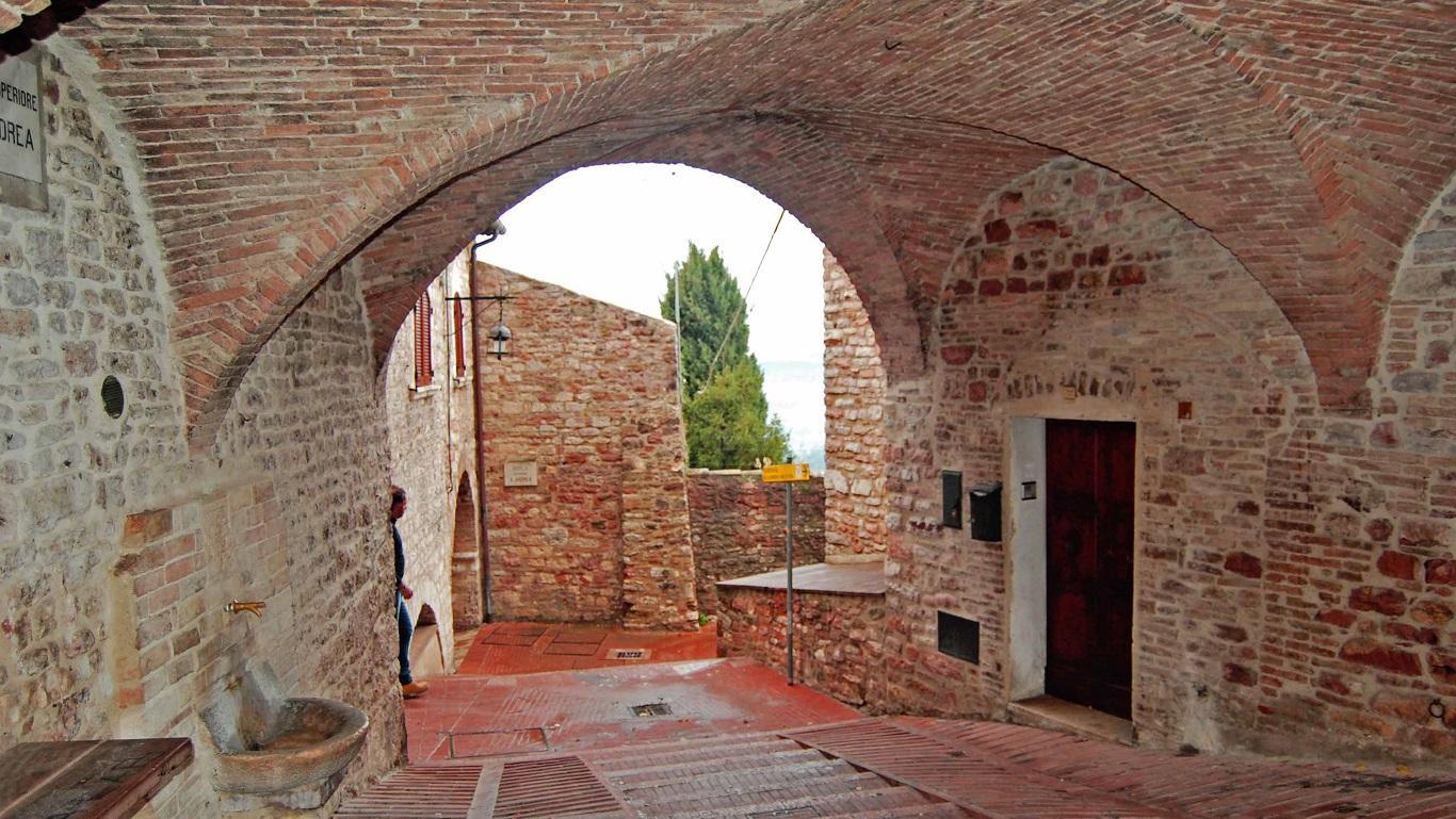 Assisi - cultura news tradizione leggende misteri - 24