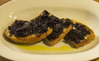 Crostini al tartufo - ricette tradizionali Umbria