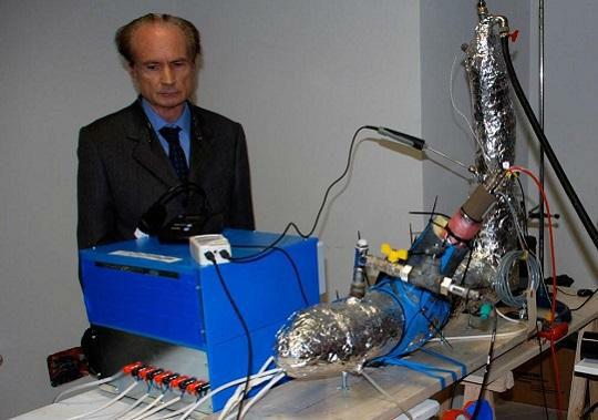 Ecat - Andrea Rossi al primo esperimento pubblico all'Università di Bologna