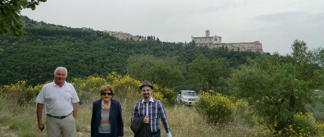 Grotta di Cinicchio - panorama di Assisi